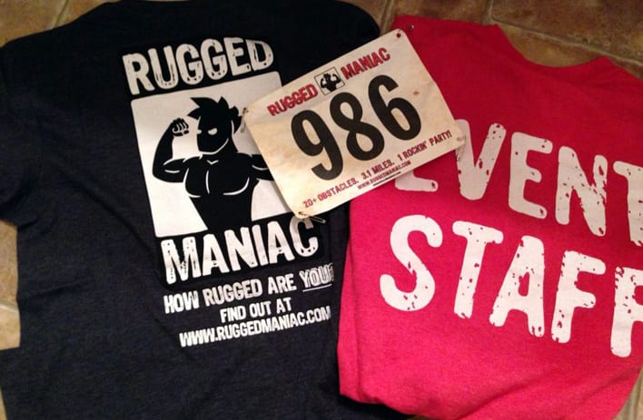 Rugged Maniac participants t-shirts and number